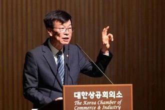 """김상조 """"정부의 최저임금 재정투입 정책은 마중물 차원의 한시적 지원"""""""