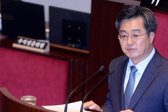 """김동연 장관 """"올해 국가채무 700조 넘지 않도록 관리 할 것"""""""