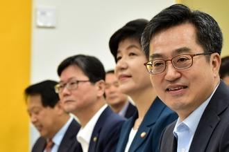 """김동연 """"새정부 경제정책, 해외투자자·신평사에 한국 경제 신뢰 높일 것"""""""