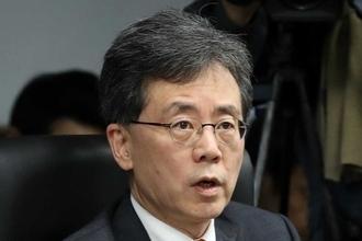"""김현종 장관 """"美 세이프가드 발동, WTO에 제소...적극 대응할 것"""""""