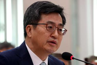 """김동연 장관 """"GM측, 실사 성실하게 빨리 받고싶다 했다"""""""