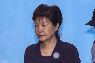 검찰, 박근혜 결심 구형 곳곳서 '이재용 2심' 분노 나타내