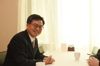 이주열, 연임 발표 후 김동연과 깜짝 회동…정부와 한은 정책공조 중요