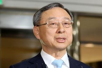 KT 회장·임원 등 4명 '의원 99명 불법 후원' 혐의로 영장 신청