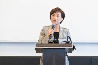 """김현미 장관 """"집값 잡기 성공했다""""...긍정적 자평"""
