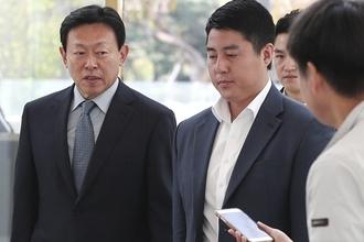 """신동빈 회장, 8일 경영 복귀...""""밀린 내부 현안부터 해결"""""""
