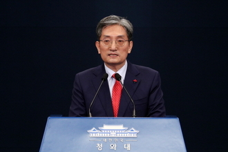 文대통령, 비서실장 노영민·정무수석 강기정·소통수석 윤도한 임명