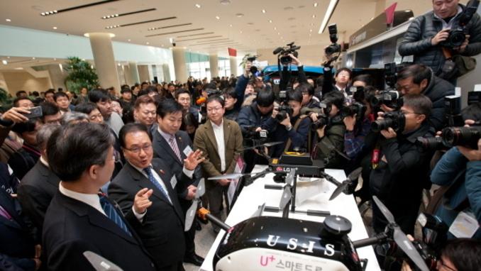 """유영민 과기정통부 장관 """"韓주도로 5G 표준화 잡혀가"""""""