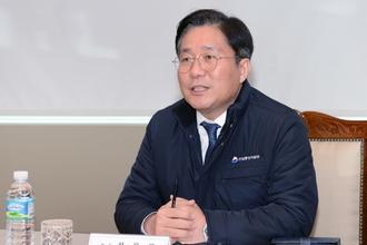 """성윤모 장관 """"우량 수출기업 흑자도산 막을 것…'돈맥경화' 예방"""""""