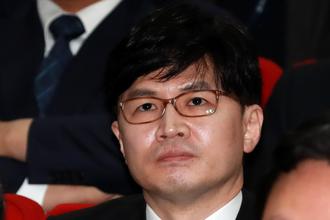 """한동훈, 유시민 상대 5억 소송…""""악의적 가짜뉴스 유포"""""""