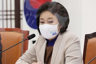 """박영선 """"예상대로 오세훈 단일 후보 돼…MB 똑 닮은 상대"""""""