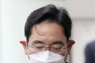 """""""삼성을 범죄집단 취급"""" 이재용 측, 오늘 재판에선 어떤 말 할까"""
