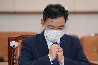 """文대통령, 국회에 """"31일까지 김오수 청문보고서 보내달라"""""""