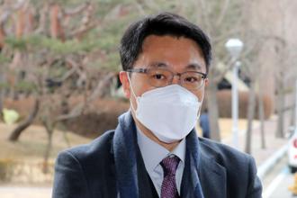 """'수사 받는' 공수처장, 경찰청장 첫 방문…""""순수한 면담"""""""