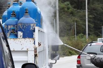 영월 ASF 발생 농장 살처분 완료…사료 등 오염 우려물품 폐기