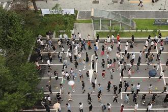 정부, 수도권 거리두기 격상 검토…서울만 4단계도 논의